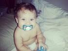 Priscila Pires acorda toda coruja e posta foto do filho