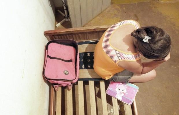 Cigana é presa suspeita de vendar a própria filha por R$ 5 mil, em Goiás (Foto: Ricardo Rafael/O Popular)