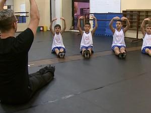 Quatro crianças de Araraquara foram selecionados no Bolshoi (Foto: Felipe Lazzarotto/EPTV)