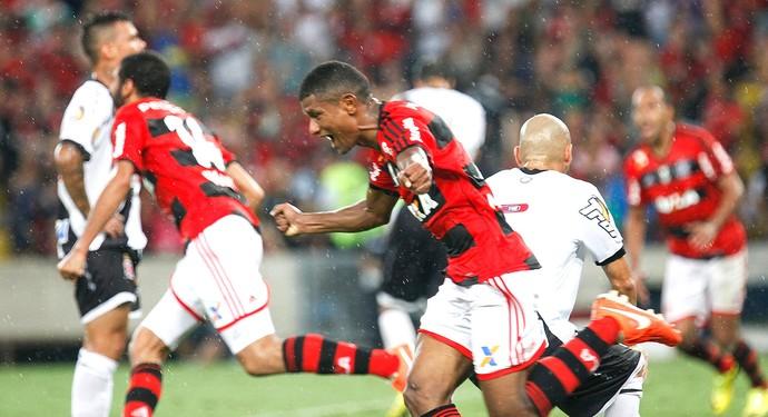 Márcio Araújo gol Flamengo jogo Vasco (Foto: Gilvan de Souza / FlaImagem)