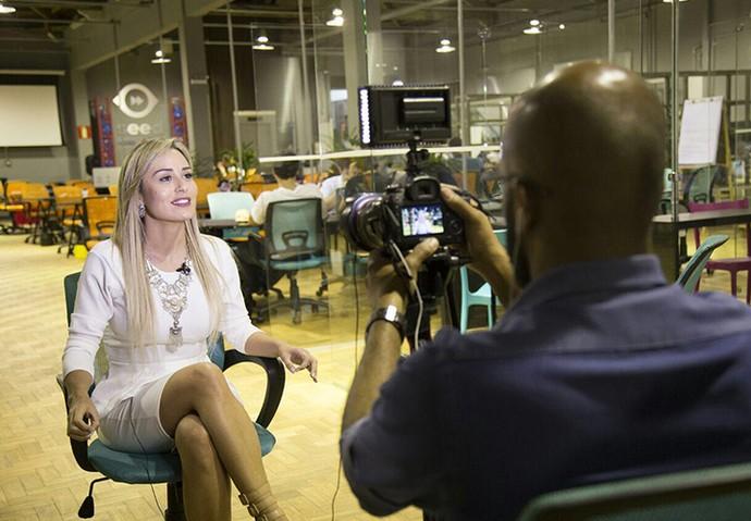 Hoje, a mineira investe na carreira de apresentadora (Foto: Arquivo Pessoal)
