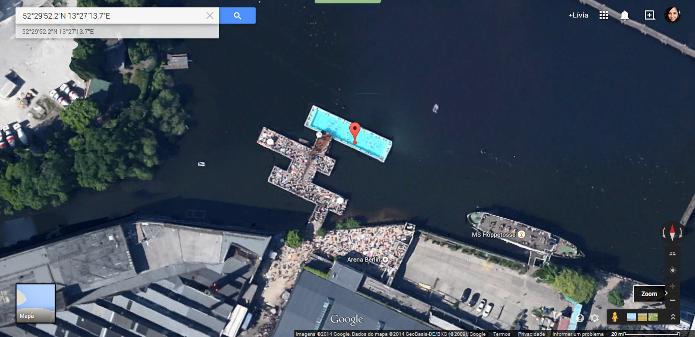 Piscina construída sobre um rio em Berlim, na Alemanha (Foto: Reprodução/Google)