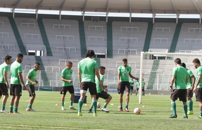 Coritiba, treino, Mario Kempes (Foto: Divulgação/Coritiba)