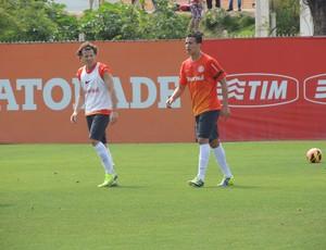 Forlán Leandro Damião Inter (Foto: Tomás Hammes / GLOBOESPORTE.COM)