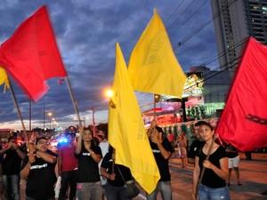 Servidores do Detran protestaram durante solenidade. (Foto: Renê Dióz/G1)
