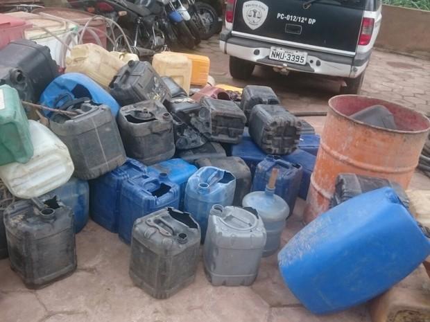 Polícia apreendeu ainda quatro mil litros de combustível distribuídos em álcool, óleo diesel e gasolina (Foto: Divulgação/Polícia Civil)