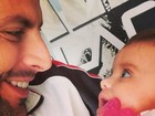 Perto do Dia dos Pais, Henri Castelli se declara para filha