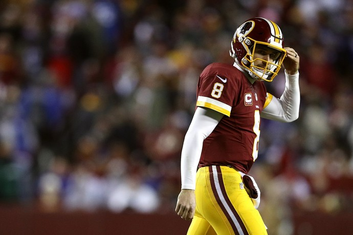 QB do Washington Redskins, Kirk Cousins foi interceptado em momento decisivo (Foto: Getty Images)