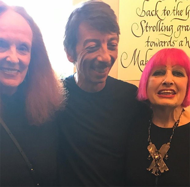 Valentino stars if the show: Grace Coddington, Pierpaolo Piccioli and Zandra Rhodes (Foto: @SuzyMenkesVogue)