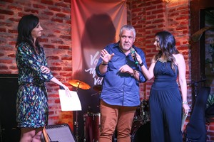 Alice Bastos Neves, Eugênio Correa e Cris Silva no evento de lançamento do Planeta 2016 (Foto: Jefferson Bernardes/Agência Preview)