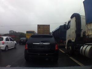 Cônego Domênico rangoni em mais um dia de congestionamento (Foto: Fabiana Faria/TV Tribuna)