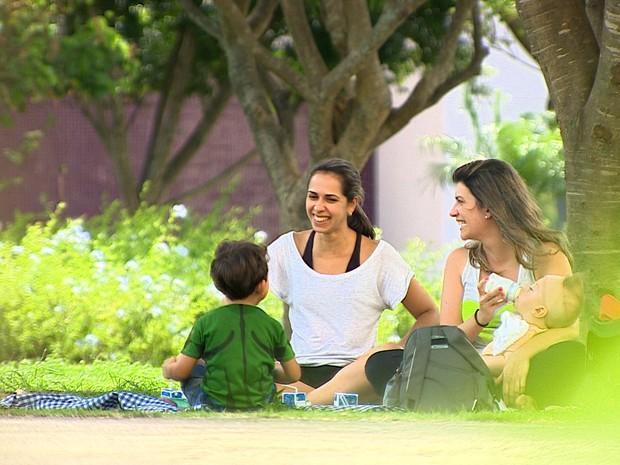 Viver em um mundo mais comunitário e menos agressivo é uma das formas para alcançar a felicidade (Foto: Reprodução/TV Vanguarda)