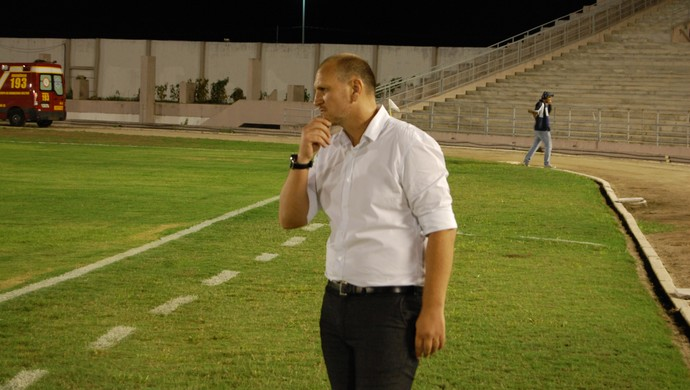 Luciano Silva, técnico do Serrano-PB (Foto: Silas Batista / GloboEsporte.com)