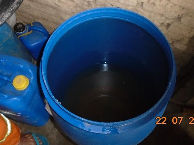Água que os trabalhadores bebiam era acondicionada em depósito de agrotóxico  (Foto: Ministério Público do Trabalho)