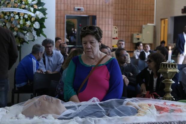 Neusa Maria no velório de Antônio Abujamra (Foto:  Thiago Duran/AgNews)