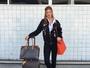 Marina Ruy Barbosa posa cheia de estilo em aeroporto: 'Viagem especial'