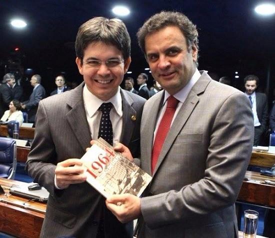 Aécio Neves e Randolfe Rodrigues em imagem de 2014. Eram amigos. (Foto: Reprodução)
