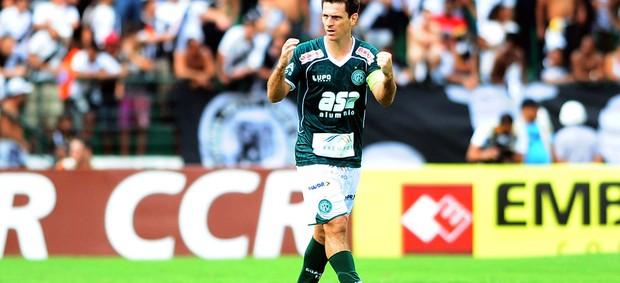 Fumagalli comemora gol do Guarani no dérbi (Foto: Marcos Ribolli/ Globoesporte.com)