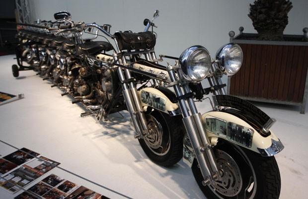 Moto gigante é atração do Salão do Automóvel de Essen. (Foto: Ina Fassbender/Reuters)