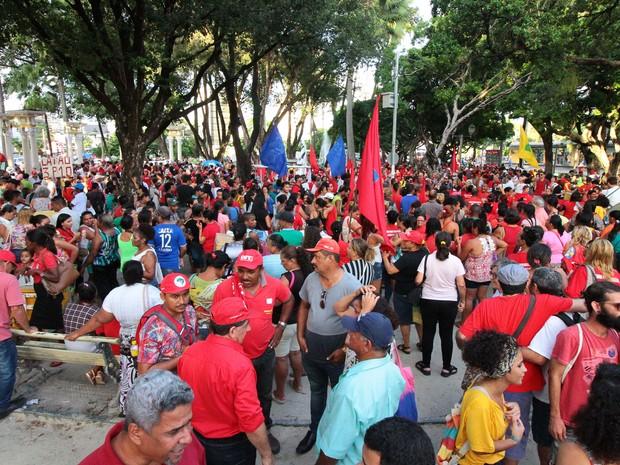 No Recife, manifestantes pedem saída do Governo Temer (Foto: Aldo Carneiro/Pernambuco Press)