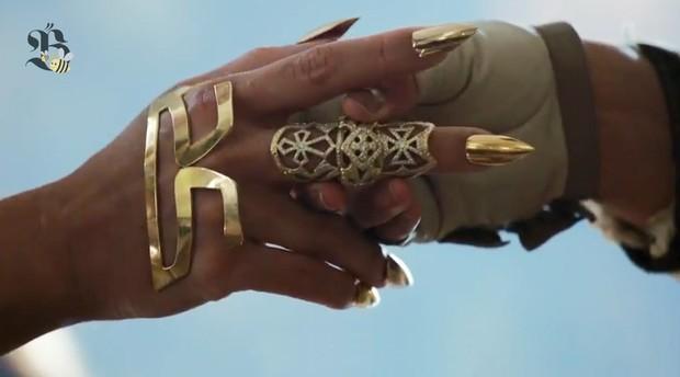 """Moda - Beyoncé divulga a nova turnê """"The Mrs. Carter Show World Tour"""" (Foto: Video/Reprodução)"""