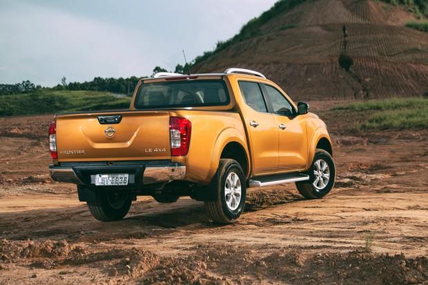 Nova Frontier aposta nos mesmos vincos dos novos Nissan de passeio (Foto: Fabio Aro/Autoesporte)