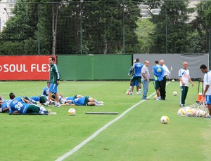 jogadores no treino do Palmeiras (Foto: Gustavo serbonchini)