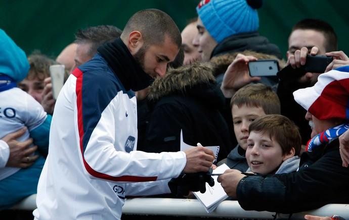 treino França Benzema (Foto: Reuters)