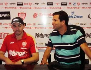 Moisés Egert, novo técnico do Noroeste, e João Gonçalves, diretor do clube (Foto: Thiago Navarro/EC Noroeste)
