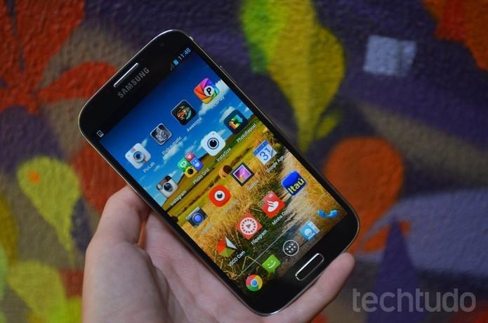Galaxy S4 tem tela de 5 polegadas e bordas arredondadas (Foto: Luciana Maline/TechTudo) (Foto: Galaxy S4 tem tela de 5 polegadas e bordas arredondadas (Foto: Luciana Maline/TechTudo))