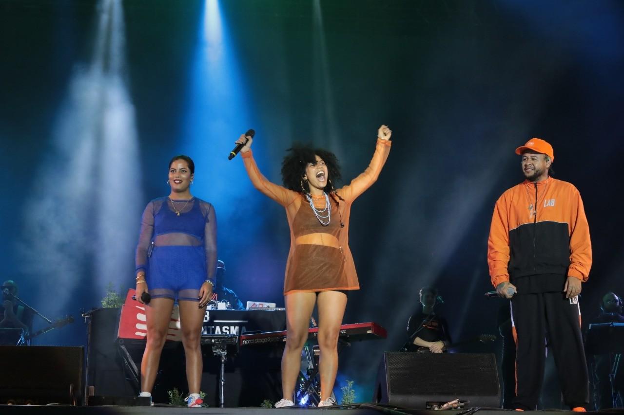 Colaboraes como a de Emicida com Ibeyi marcaram o Sunset (Foto: Beto Roma/Multishow)