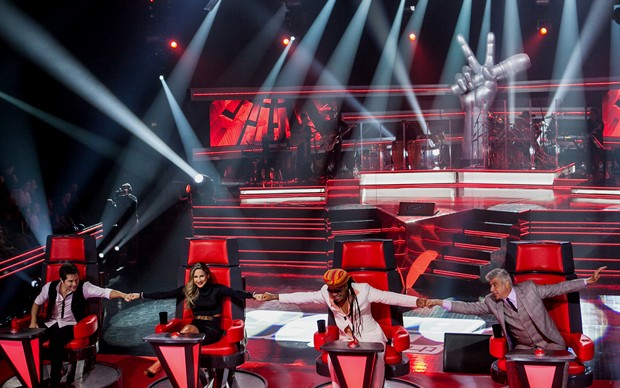 Técnicos palco (Foto: The Voice Brasil/TV Globo)