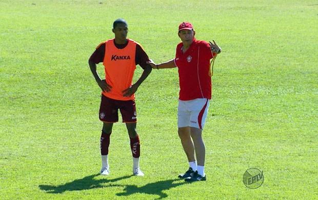 Nedo Xavier corre contra o tempo para definir equipe titular do Boa (Foto: Reprodução EPTV)
