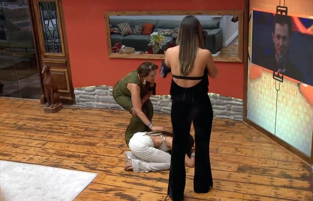 Ieda, Emilly e Vivian descobrem a vencedora do 'Big Brother Brasil 17' (Foto: Reprodução/TV Globo)