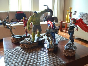 Peças representam cena do primeiro filme dos Vingadores (Foto: Fabiana Figueiredo/G1)