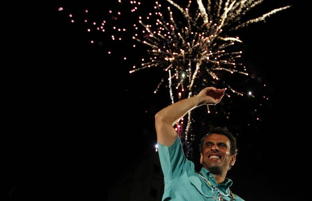 Candidato a presidente da Venezuela Henrique Capriles em comício no Estado de Zulia (Foto: Carlos Garcia Rawlins/Reuters)