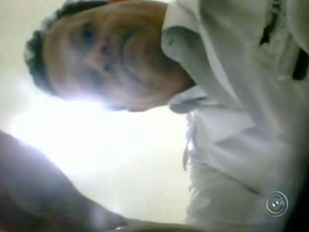 Irmão de Manuel Ávila prestou depoimento na delegacia de Sorocaba nesta terça-feira (12) (Foto: Reprodução/TV TEM)