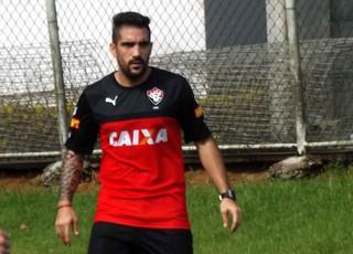 Escudero durante treinamento na Toca do Leão (Foto: Divulgação/E.C. Vitória)
