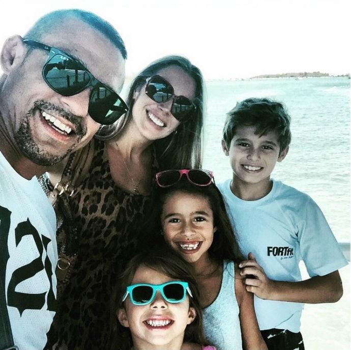 Vitor Belfort Joana Prado e família em férias