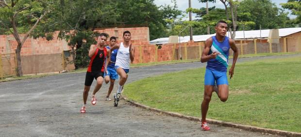 Campeonato Piauiense de Atletismo - Revezamento 4x100 masculino (Foto: Flávio Meireles)