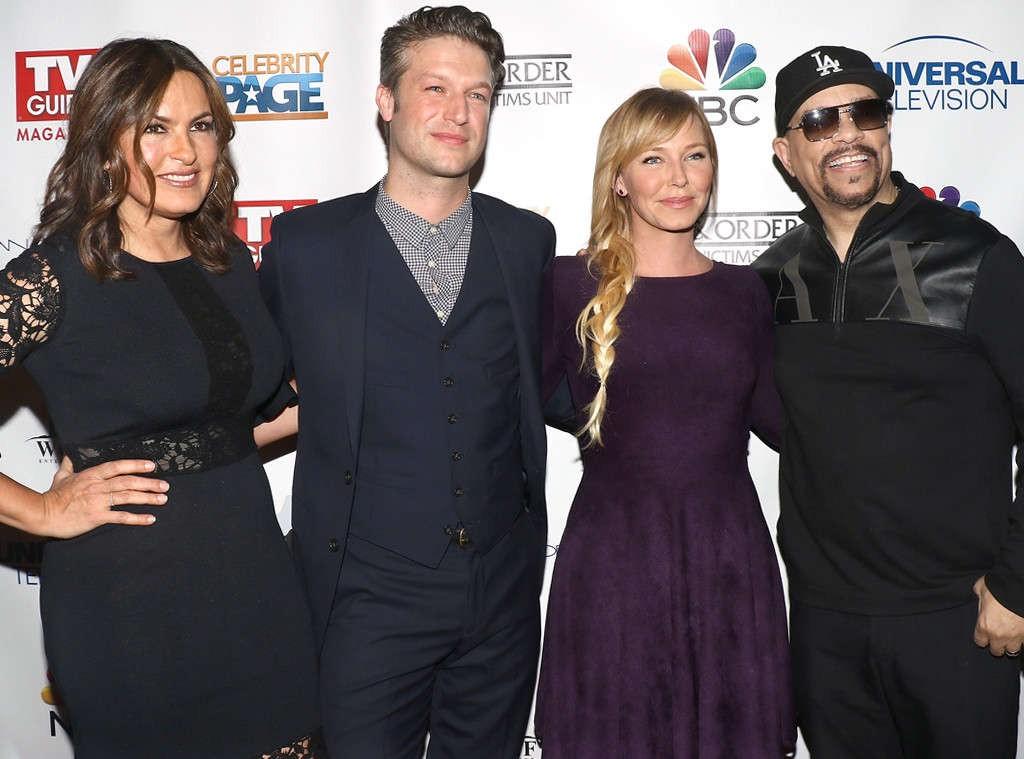 Mariska Hargitay, Peter Scanavino, Kelli Giddish e Ice-T na festa de comemoração dos 400 episódios de SVU (Foto: Divulgação)