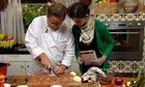 Claude Troisgros ensina a cortar cebola sem chorar