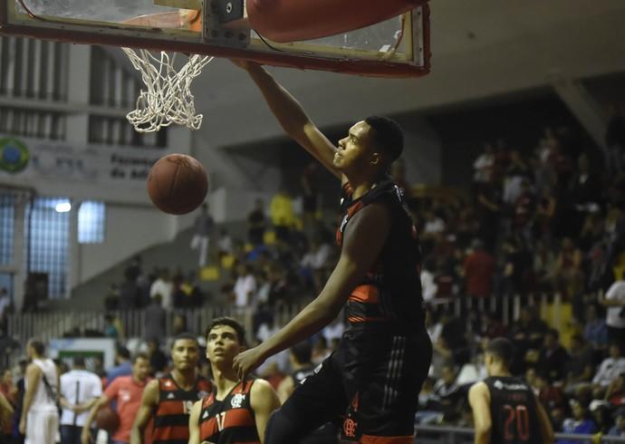João Vitor Flamengo Vasco basquete (Foto: André Durão)