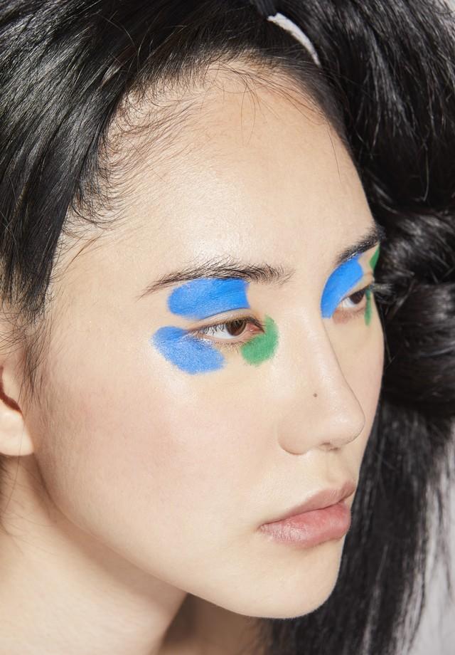 Marca de tinta azul e verde (Foto: Vivi Bacco, para Jake Falchi)