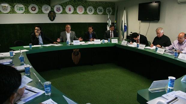Hélio Cury Federação Paranaense de Futebol (FPF) arbitral Campeonato Paranaense (Foto: Julia Abdul-Hak / Backstage Comunicação)