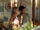 Fiorella Mattheis e Alexandre Pato curtem almoço a dois