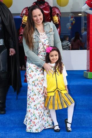 Mariana Belém com a filha, Laura (Foto: Manuela Scarpa/Brazil News)