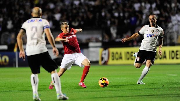 Dalessandro Corinthians x Internacional (Foto: Marcos Ribolli / Globoesporte.com)