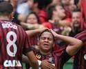 """Walter festeja primeiro gol e brinca que vai sair da dieta: """"Cinco coxinhas"""""""