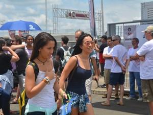 Vestibulandas entram em local de prova da Unicamp em Campinas (SP) (Foto: Marina Ortiz/ G1)